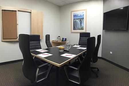 Intelligent Office - Chicago Loop - Medium Conference Room
