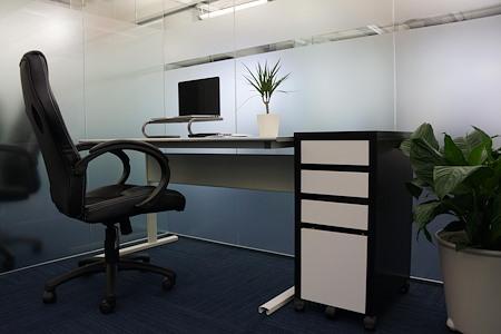 Momentum Business Center - Interior Office