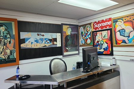 Supreme Art - Picasso - Front Desk
