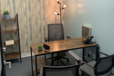 Quest Workspaces- 1395 Brickell - Office 932