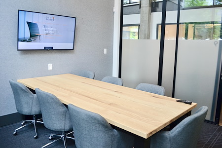 Meet at Ponce - Meeting Room for 7 - FREE PARKING