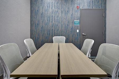 Home 2 Suites - Board room