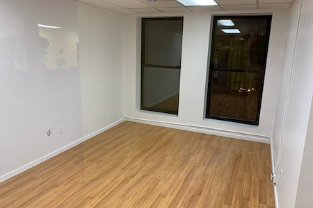 Indiegrove - 5 Person Private Office w/ Windows