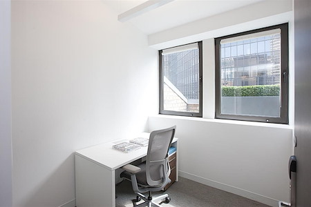 Emerge212 - 125 Park Avenue - Day Office 2501