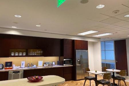 Servcorp - San Francisco 101 California Street - Coworking Lounge Workstation 3