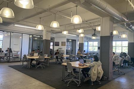 Traction Place LA - Open Desk 1