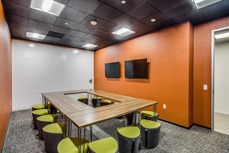 WORKSUITES- Sugar Land - Collaboration Room