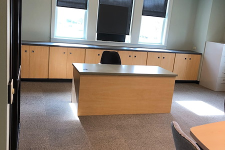 Bentonville Merchant District - Fully Furnished Office Space