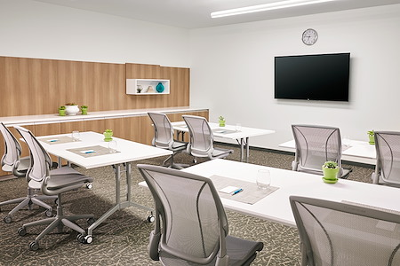 Element Chandler Fashion Center - Private Office