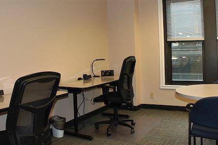 BusinessWise (Law & Finance Building) - Flex Desk