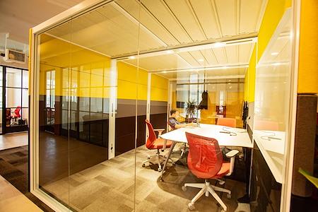 OnePiece Work Santa Monica - Meeting Room