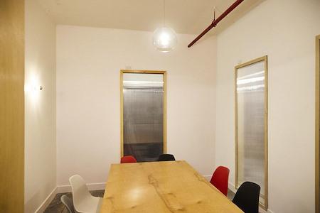 Hunters Point Studios - Meeting Room 2