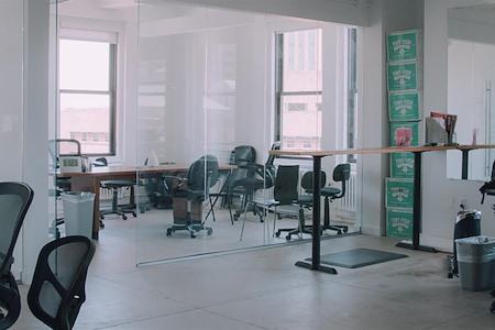 Maker's Row - Brooklyn Heights - Dedicated Desk