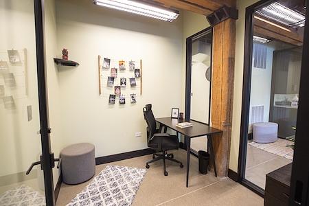 OFFIX Pilsen - Small Office for 1-2