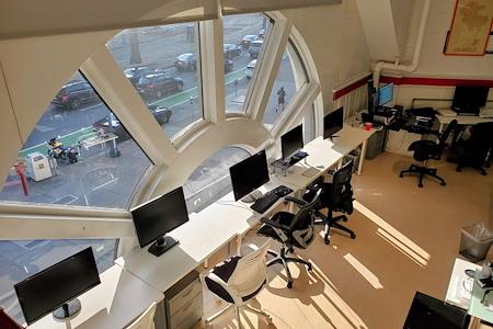 Harbor House - Team Desks for 5