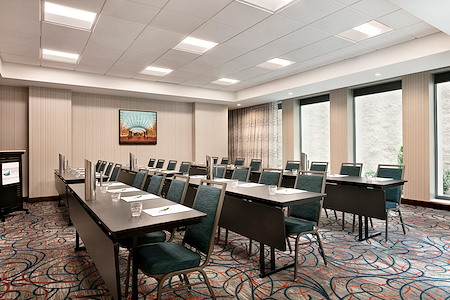 Homewood Suites Arlington Rosslyn Key Bridge - Carlin Room