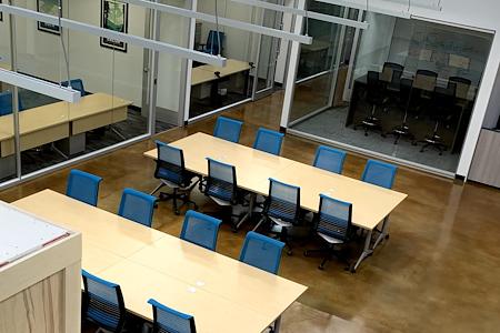 Innovation WorkSpaces - Open Desk Coworking