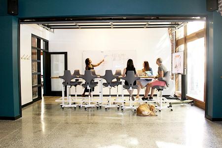 Knack Coworking - The Garage