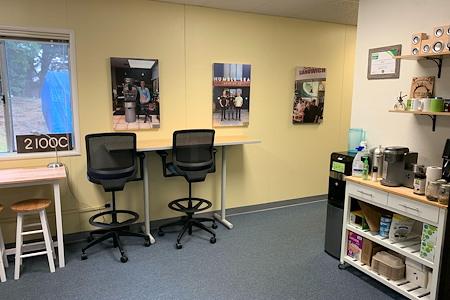 Santa Cruz County's Small Business Development Center - Desk 4