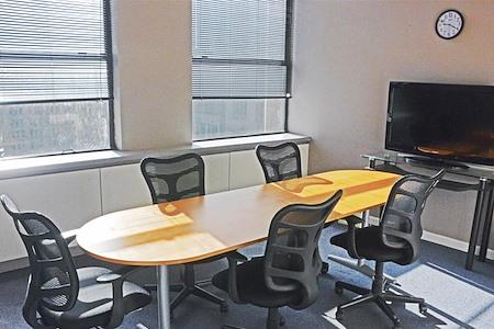 Square Office Space - Medium Conf. Room - 7M