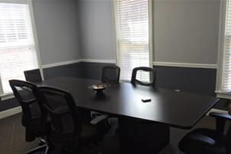 Neutral Offices - Corner Conference Room - 8-10 People