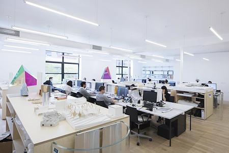 SO – IL - Dedicated Desk 1
