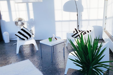 Spacious and Bright Multi-Purpose Studio - Creator's Desk Space