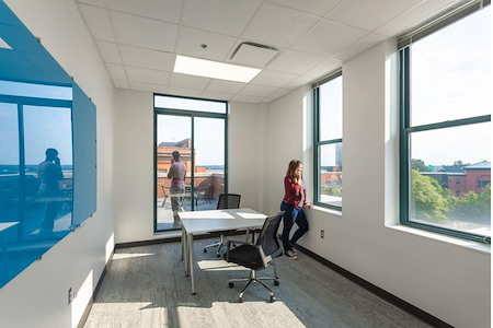 Novel Coworking Angebilt Building - Private Office for 4 People
