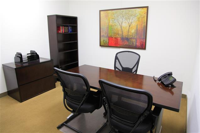 Pacific Workplaces - Palo Alto - Day Office 204