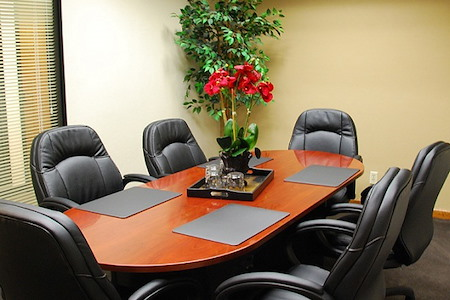 580 Executive Center - Small Conference Room