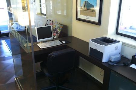 Hotel Strata - Business Center