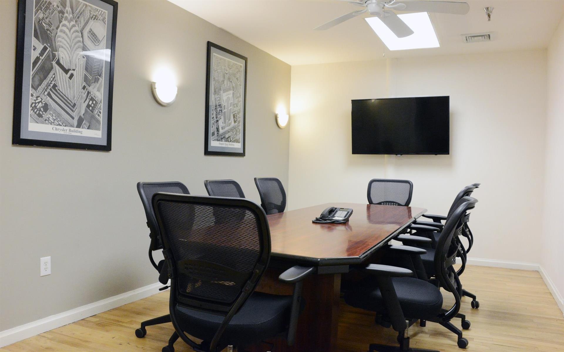 Select Office Suites Chelsea - Select Medium Meeting Room #3