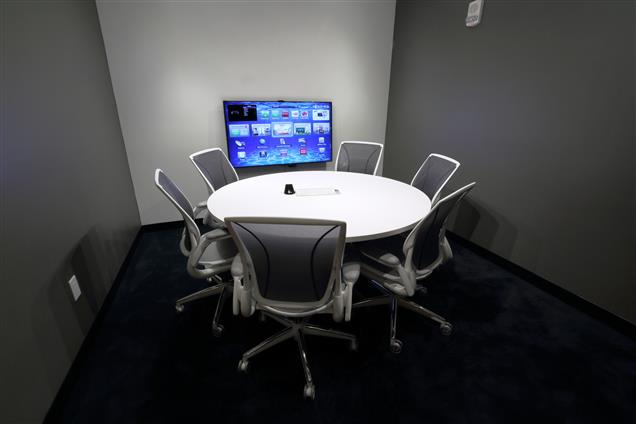 PROWORKS INC. - Media Meeting Room (HDTV, apple TV etc)