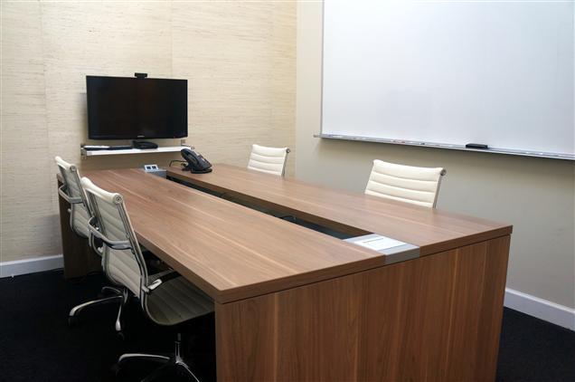 Platform Coworking Ravenswood - Ravenswood Conference Room