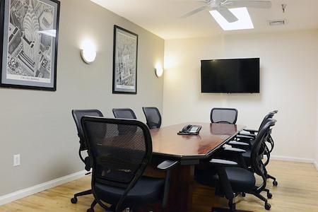 Select Office Suites - Chelsea - Select Medium Meeting Room #3