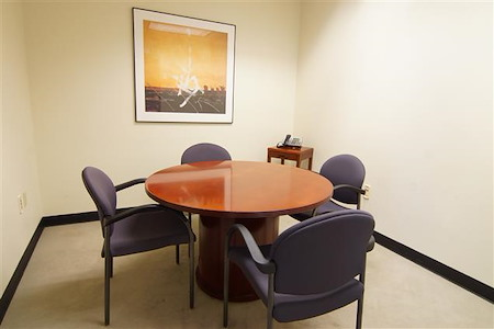 Pacific Workplaces - Capitol - Sutter Meeting Room 905