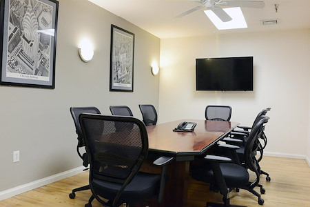 Select Office Suites - Chelsea - Select Medium Meeting Room #3