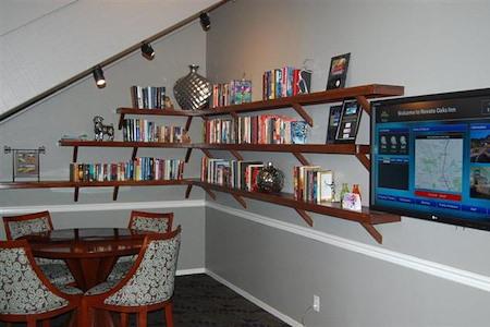 Best Western PLUS Novato Oaks Inn - Library