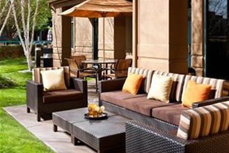 Courtyard Pleasant Hill - Outdoor Patio